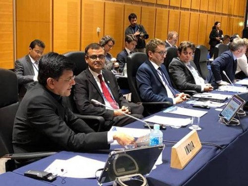 bilateral talks with host countries in the g-20 meeting of commerce minister
