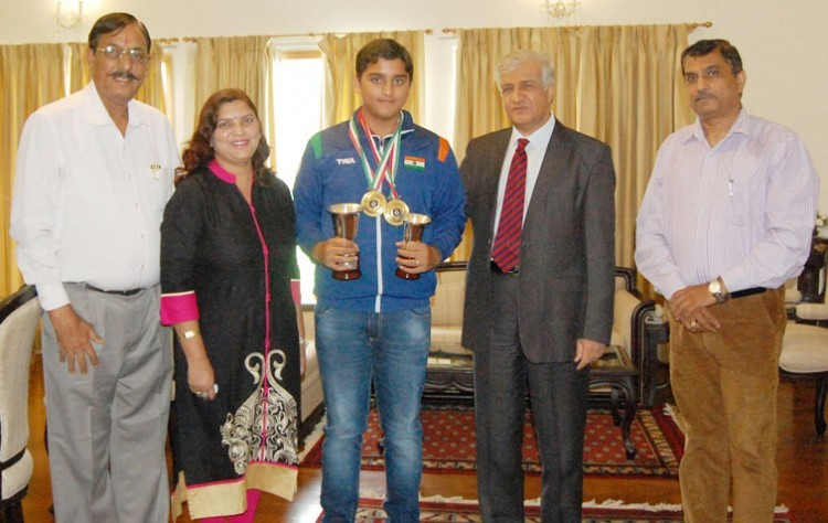 shooter shapath bhardwaj met governor, dr. kant paul
