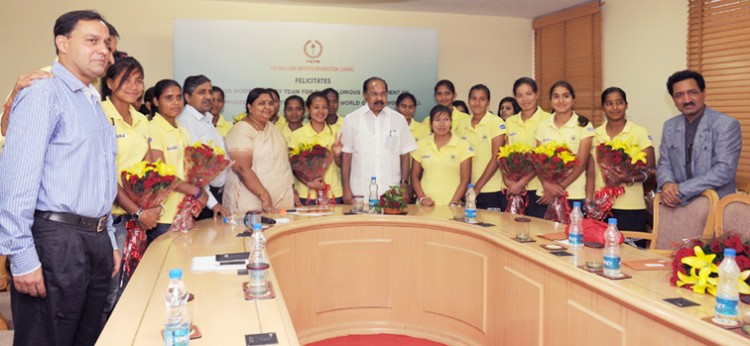 m. veerappa moily and jr. girls hockey team