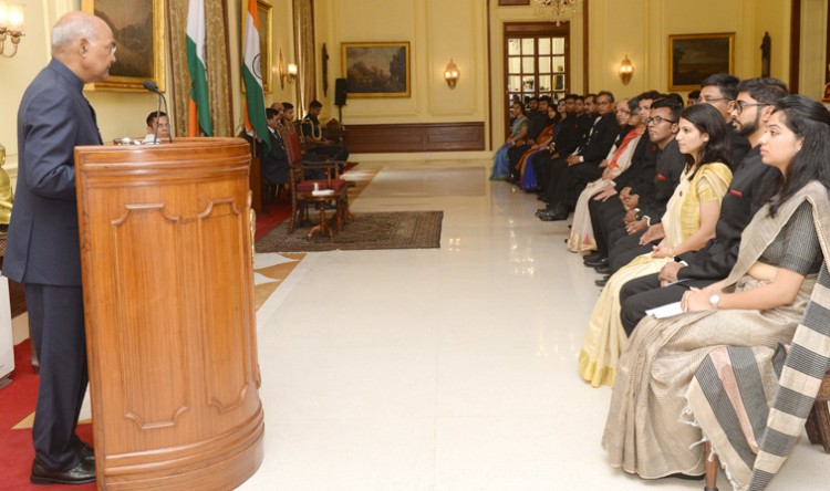 trainee officers of the indian information service called on the president