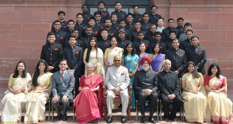 ram nath kovind with officers trainees
