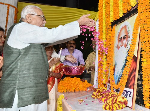 governor administers tribute to rabindranath tagore