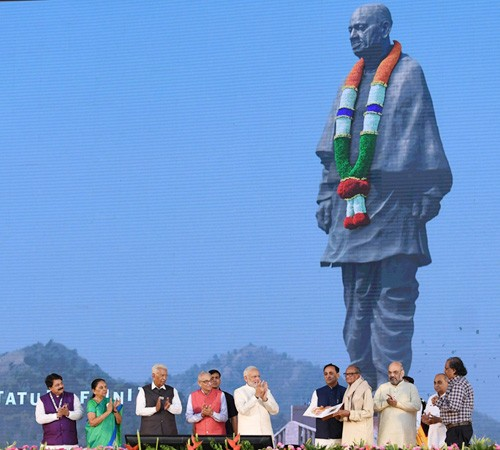 'statue of unity' dedicated to nation