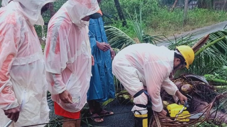 ndrf rescue workers during the cyclone fani landfall in odisha