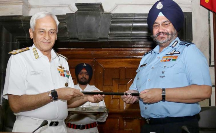 dhanoa received baton from navy chief admiral sunil lamba