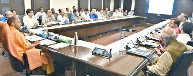 chief minister meets with purvanchal vikas board
