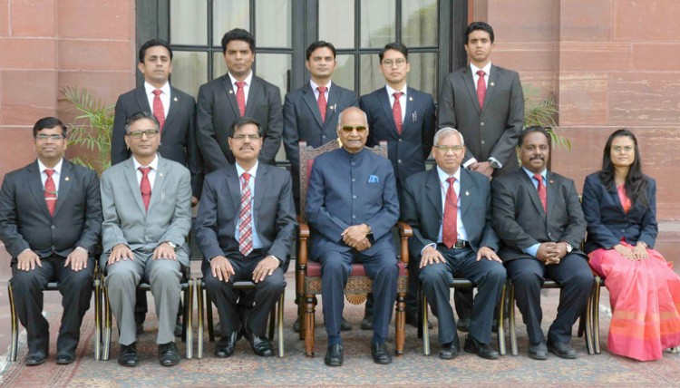 indian posts and corporate trainees meet the president