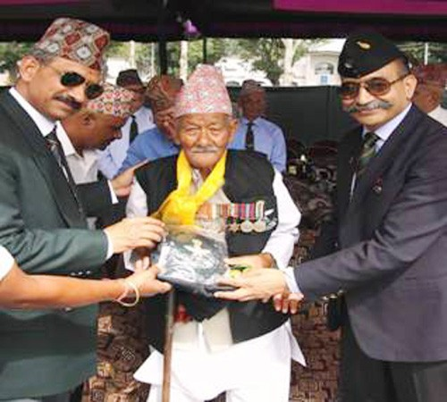 hundred years old gorkha soldier honored