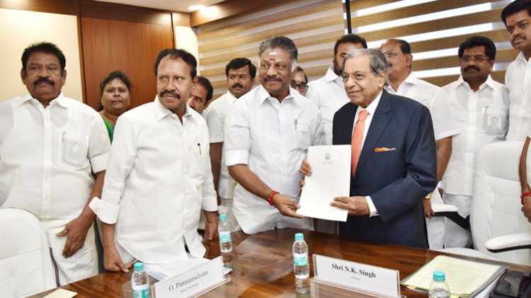 paneerselvam, memorandum presented chairman of the finance commission