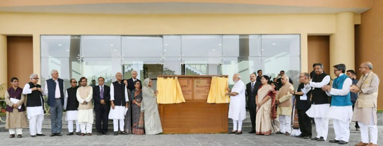 pm narendra modi and sheikh hasina jointly inaugurating the bangladesh bhavan