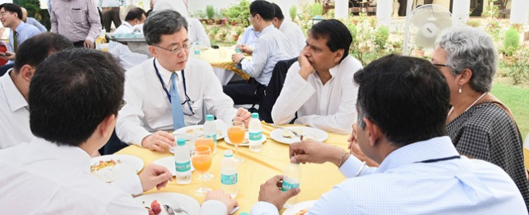 suresh prabhakar prabhu in a breakfast meeting with the south korean minister