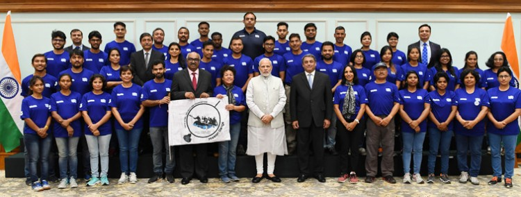 prime minister met with the participants of mission ganga