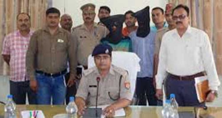 sp bijnor atul sharma, bijnor police and liquor smugglers