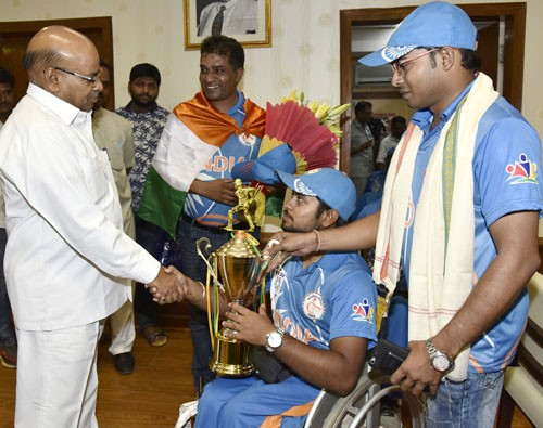 'indian wheelchair cricket team' meeting thaawar chand gehlot