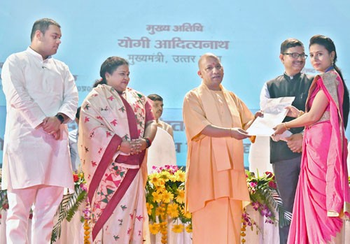 chief minister distributed appointment letters to selected teachers